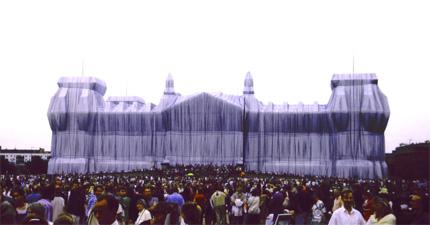 Der verhüllte Reichstag in Berlin